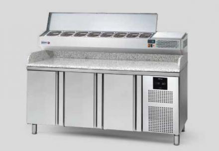 Chladiaci stôl GLOBE - Concept 700 Gastronorm so žulovou doskou - 3 dvere